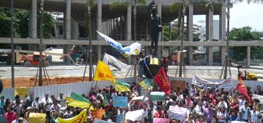 DAS MARACANA-STADION IN RIO DE JANEIRO<br>TEMPEL DER EMOTIONEN
