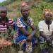 Frauen im Gras DR Kongo