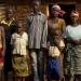 Nakatya mit Familie und Nachbarn, Walungu